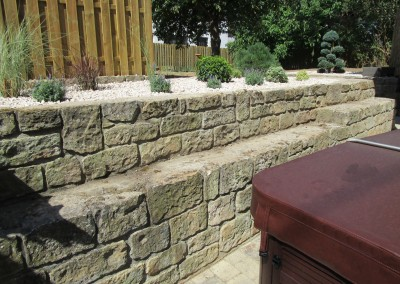 Stützmauer aus Sandsteinen