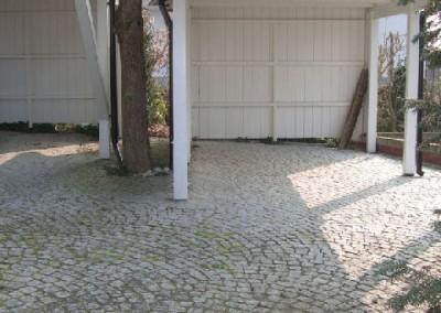 Granitpflaster und Carport