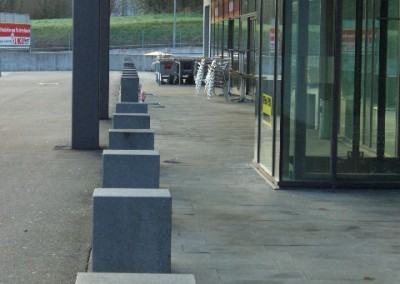 Granitplatten und Stelen