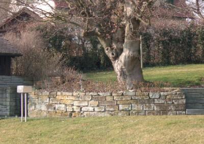 Natursteintrockenmauer