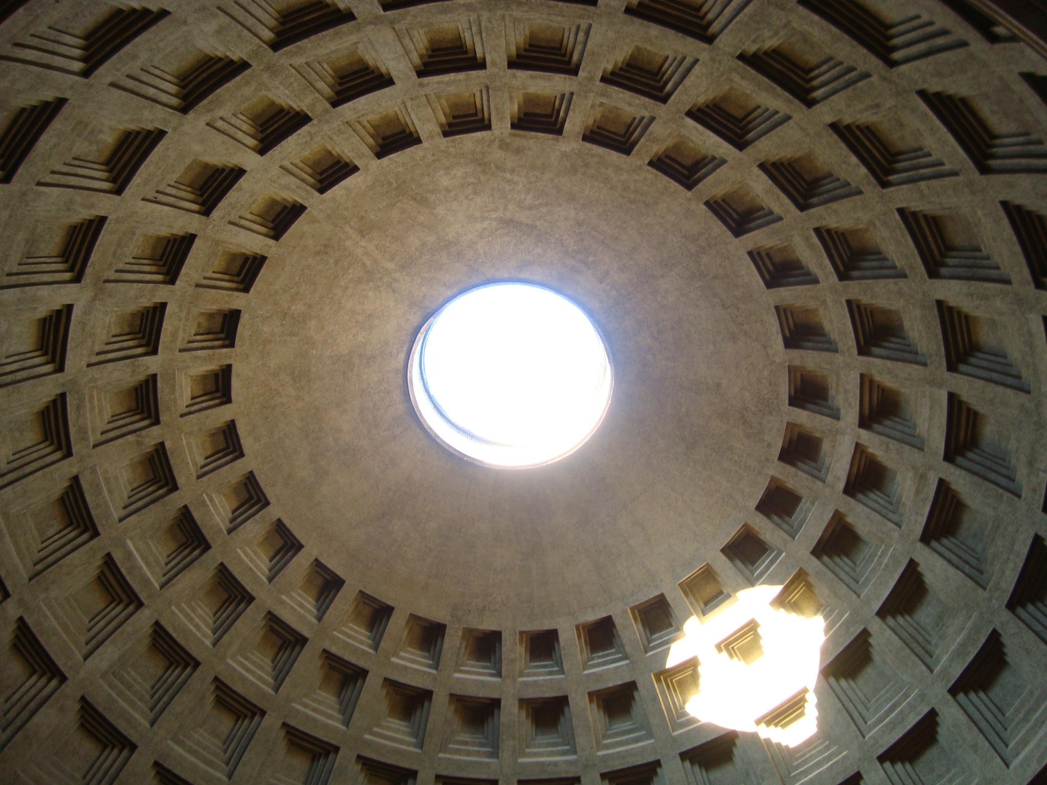 Blick in die Kuppel des Pantheon in Rom